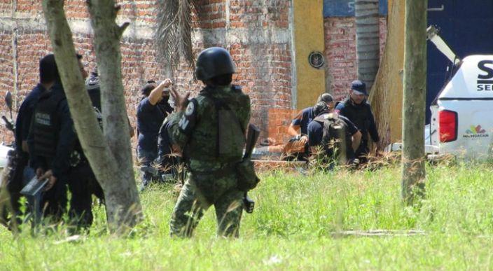 Enfrentamiento en Jacona deja dos presuntos delincuentes muertos y uno herido