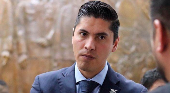 No firmará Javier Paredes, impugnación contra la Mesa Directiva del Congreso