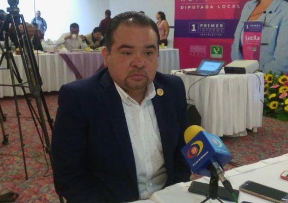 """Gobierno federal """"hinca"""" a los municipios: Tony Martínez"""