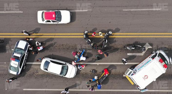 Auto atropella a mujer en silla de ruedas, Morelia
