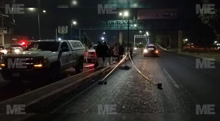 Hombre de avanzada edad es atropellado cerca de puente peatonal en Morelia