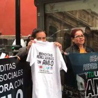 'Youtubers' acusan discriminación en las mañaneras de AMLO