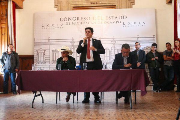 El Congreso del Estado siempre abierto al diálogo y no a la violencia; aseguran diputados locales