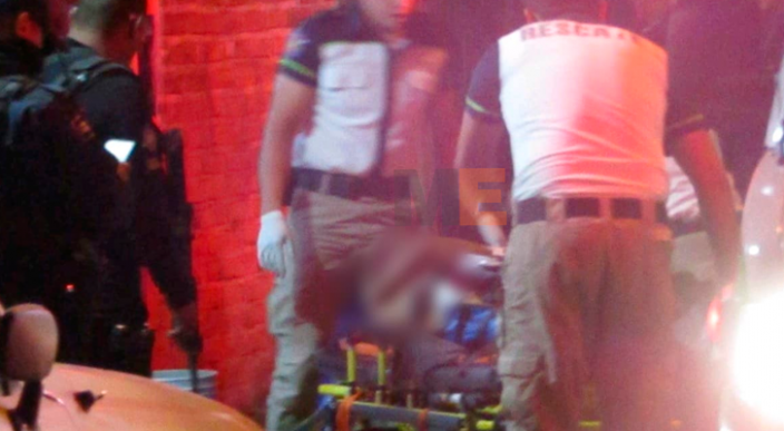 """Un sujeto apodado """"La Nacha"""" fue atacado en un tienda de Zamora, Michoacán"""