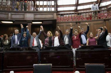 Diputados podrían abandonar la bancada de Morena