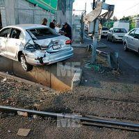 Tren de Morelia arrolló un automóvil