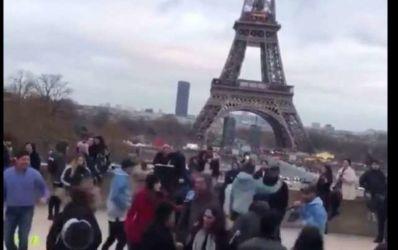 Mexicanos bailando la chona en francia