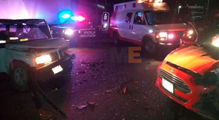 Tres personas resultan lesionadas en accidente vial en Tacámbaro, Michoacán