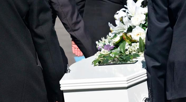Funeraria cambia 2 cuerpos por error en Morelia