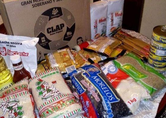 Supuestos sicarios del Cártel del Golfo reparten alimentos a pueblerinos de Tamaulipas