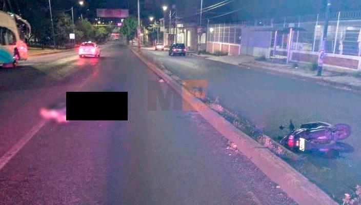 Motociclista sufre accidente en el periférico de Morelia, Michoacán