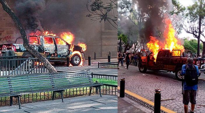 Manifestantes al apoyo de Giovanni queman patrullas, en Guadalajara (Video)