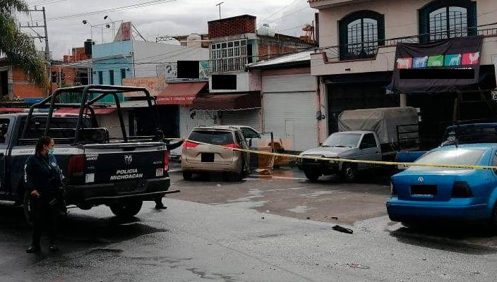 Policías abaten a un sospechoso y detienen a otro tras un tiroteo en Uruapan, Michoacán