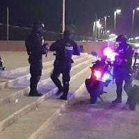 """Arrojan restos humanos en bolsas y cuelgan """"Narcolona"""" sobre Malecón en Veracruz"""