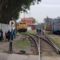 Normalistas y maestros vuelven a las vías, ahora en Maravatío