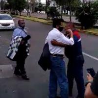 Salen libres maestros detenidos por toma de vías del tren en Michoacán (Video)