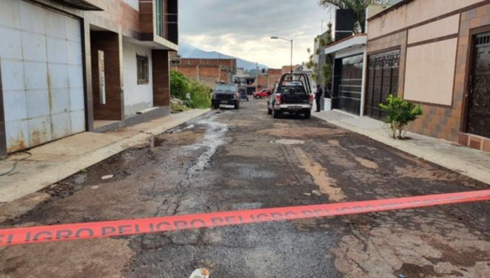 Localizan un cuerpo en el Fraccionamiento La Luz de Jacona, Michoacán