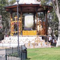 Instalan altar de muertos en honor a personal médico en Centro de Morelia