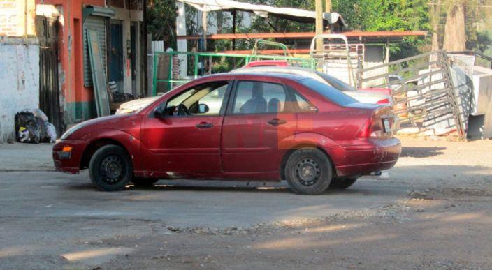 Localizan el cuerpo de un hombre dentro de un automóvil en Jacona Michoacán