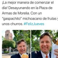 Embajador de EU en México visita Morelia y lo celebra desayunando un gaspacho