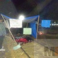 Dos maestros en Pátzcuaro inician huelga de hambre