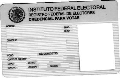 En Morelia, detiene FGE a persona que intentó abrir cuenta con INE falso