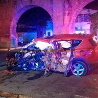 Vehículo choca contra el acueducto de Morelia; hay un muerto