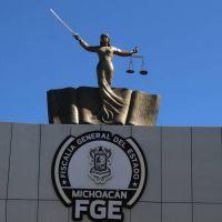 En cateo, asegura FGE inmueble relacionado en conductas ilícitas y recupera seis retroexcavadoras