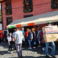 """Artesanos denuncian venta de artículos """"chinos"""" y no afines a la Feria de la Esfera."""