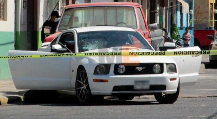 Atacan a los ocupantes de un Mustang en Zamora; hay dos muertos