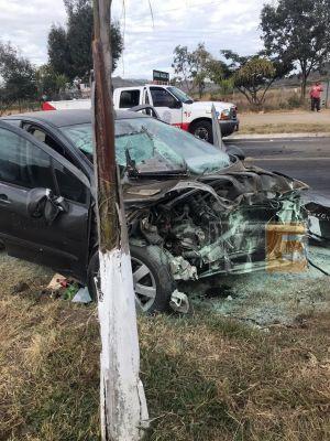 Accidente vial deja un hombre muerto y una mujer herida