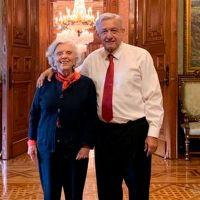 """Elena Poniatowska le dice a AMLO """"¡Señor Presidente, ya párele a las mañaneras, hay un hartazgo nacional!"""