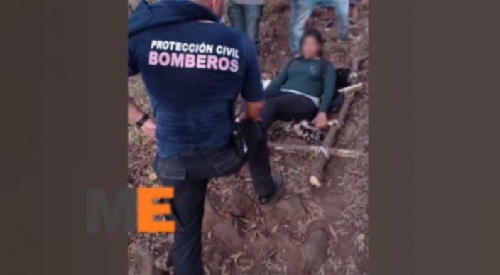 Rescatan a mujer que sufrió aparatosa caída en el Cerro de La Beata en Zamora, Michoacán