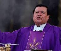 Con COVID-19 Cardenal Norberto Rivera llega a hospital