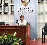 Alcaldesa Itzé Camacho se deslinda de propaganda electoral en Palacio; Publica encuesta donde se coloca por encima de Raúl Morón y Silvano Aureoles Conejo.