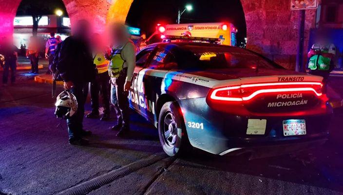 Oficial queda herido tras choque entre patrulla y auto en la Av. Acueducto