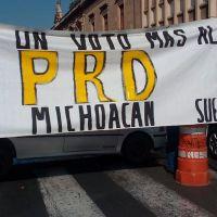 Trabajadores de la Universidad Michoacana piden no dar un voto más al PRD