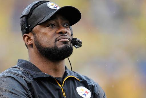 Steelers dieron extensión de contrato al entrenador Mike Tomlin