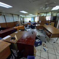 Interpone SEE denuncias por agresión y daños en oficinas de la dependencia