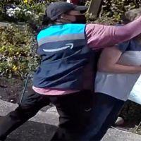 Repartidora de Amazon agredió a mujer de 67 años de edad (Video)
