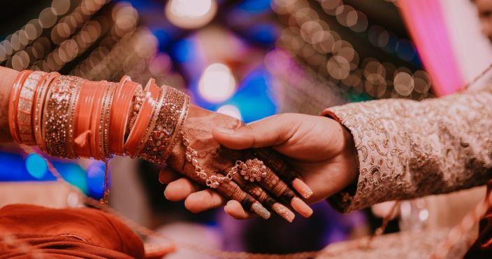 Hombre se casa con su cuñada luego de fallecer su futura esposa en plena boda