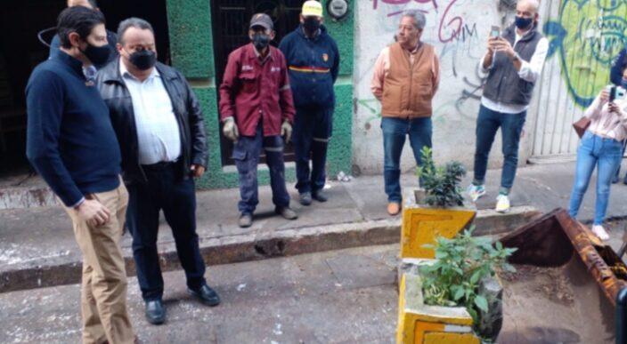 Se va a la basura 1 millón de pesos en macetas puestas por Morón en Av. Solidaridad de Morelia