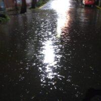 Lluvias causan desborde del río San Buenaventura en Xochimilco (Video)